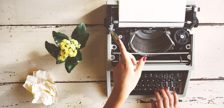 testi-su-misura-home-slide-macchina-da-scrivere