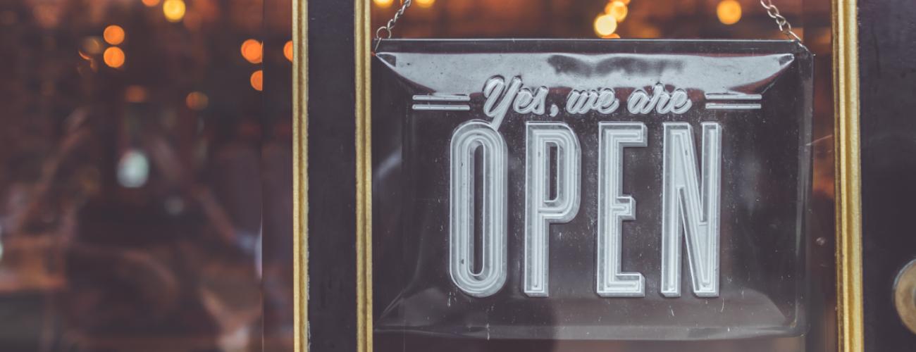 I negozi fisici hanno una marcia in più rispetto agli e-commerce. E solo i più attenti hanno capito come usarla.